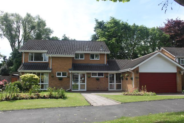 Thumbnail Detached house for sale in Welcombe Grove, Solihull