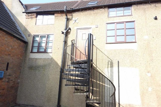Thumbnail Flat to rent in Lilleys Yard, Hinckley, Leicestershire