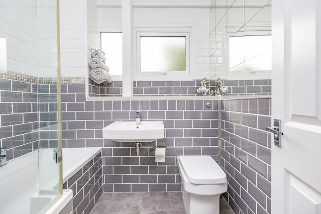 Bathroom of Punch Croft, New Ash Green, Longfield DA3