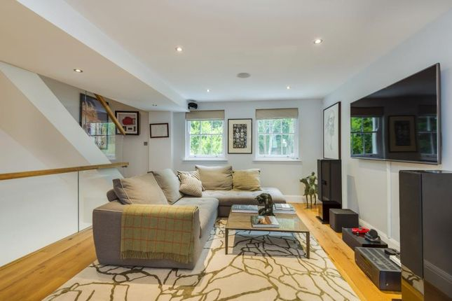 Thumbnail Property to rent in Park House Passage, Highgate Village