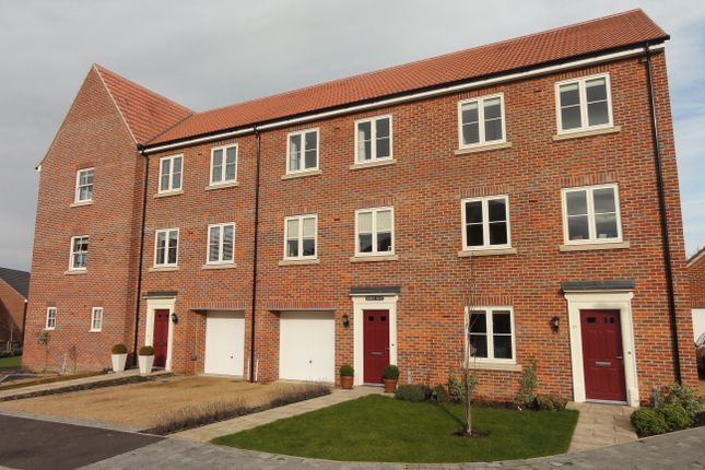 Thumbnail Terraced house to rent in East Close, Bury St. Edmunds