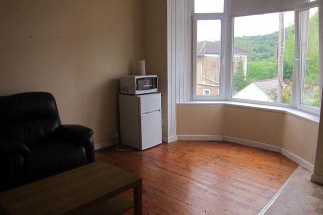 Thumbnail Flat to rent in Wood Road - Flat 1, Treforest, Pontypridd