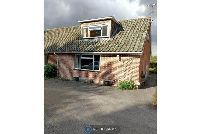 Thumbnail Flat to rent in Goring Road, Goring Heath, Reading