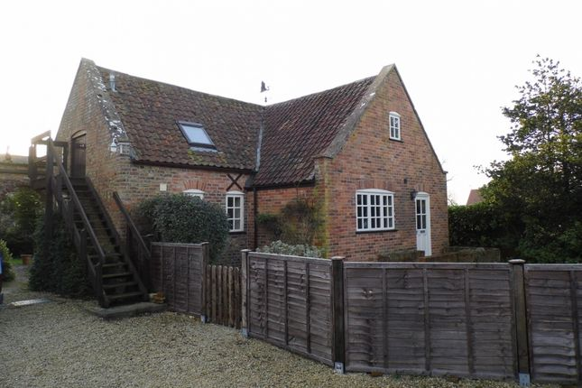 Thumbnail Bungalow to rent in Frampton On Severn, Gloucester