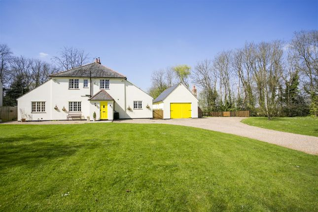 Thumbnail Detached house for sale in White Horse Road, Meopham, Gravesend