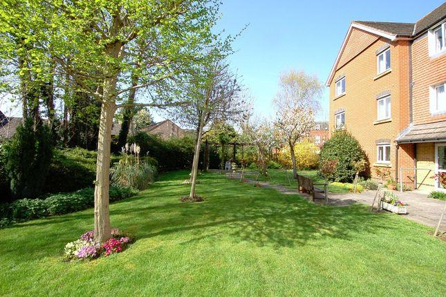 Communal Gardena of Hart Dene Court, Bagshot GU19