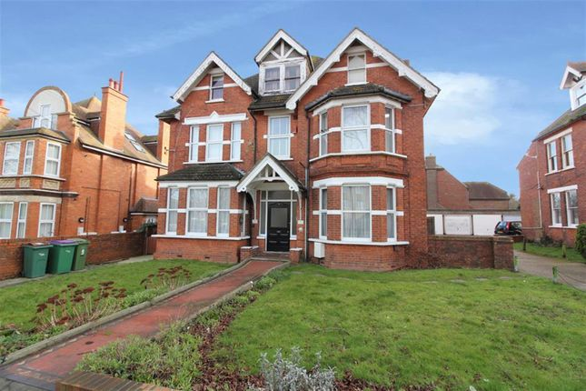 Thumbnail Flat to rent in Cherry Garden Avenue, Folkestone, Kent
