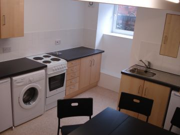 Thumbnail Terraced house to rent in Burley Lodge Road, Leeds