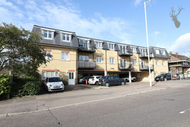 2 bed flat to rent in Central Court, 88 Manford Way, Chigwell IG7