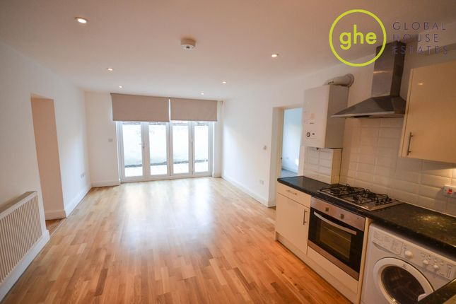 Thumbnail Flat to rent in Camberwell Church Street, Camberwell Green, London