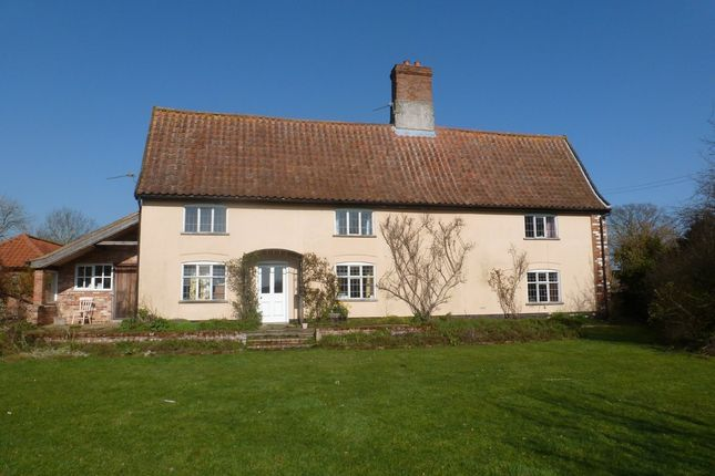 Thumbnail Farmhouse to rent in Ringsfield Common, Ringsfield, Beccles