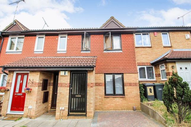 Thumbnail Flat for sale in Gilderdale, Luton