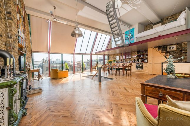 Thumbnail Flat for sale in Long Acre, Covent Garden, London
