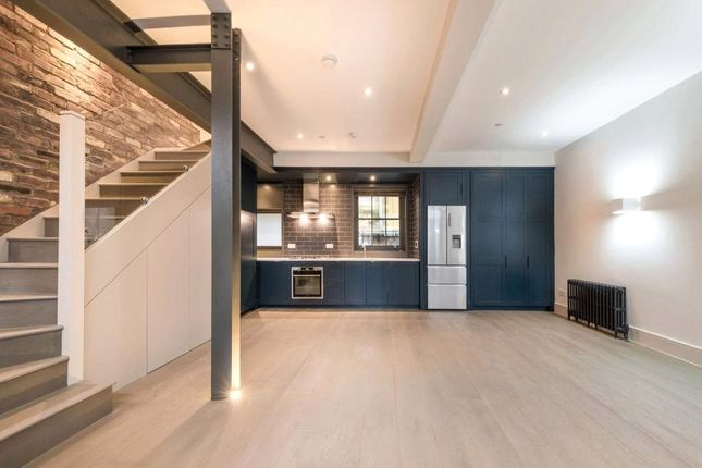 Thumbnail Mews house to rent in Bourlet Close, Fitzrovia, London