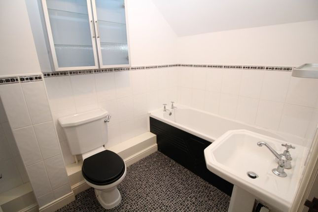 En Suite of The Spinnakers, Aigburth, Liverpool L19
