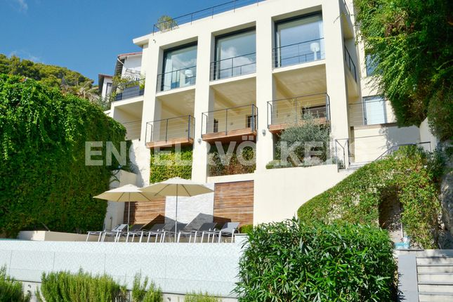 4 bed property for sale in Roquebrune-Cap-Martin, France