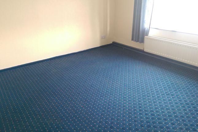 Thumbnail 2 bedroom flat to rent in Howard Street, Batley