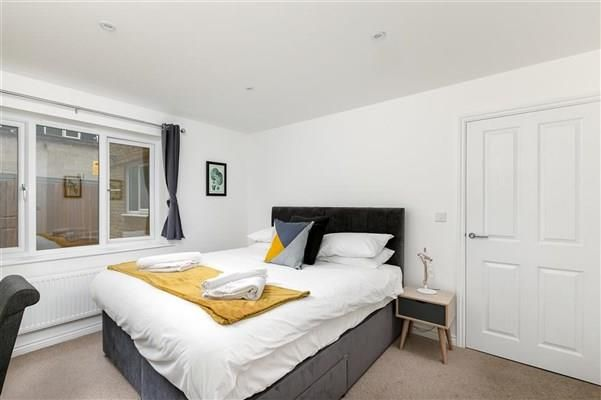 Thumbnail Flat to rent in Mutiny Close, Hertford