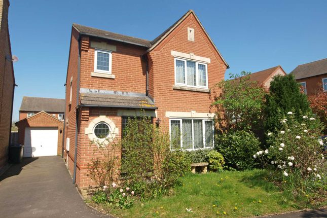3 bed detached house for sale in Lucerne Avenue, Bicester