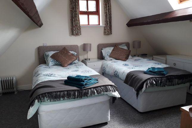 Thumbnail Barn conversion to rent in Kilnside Farm, Rock House Lane, Farnham, Surrey