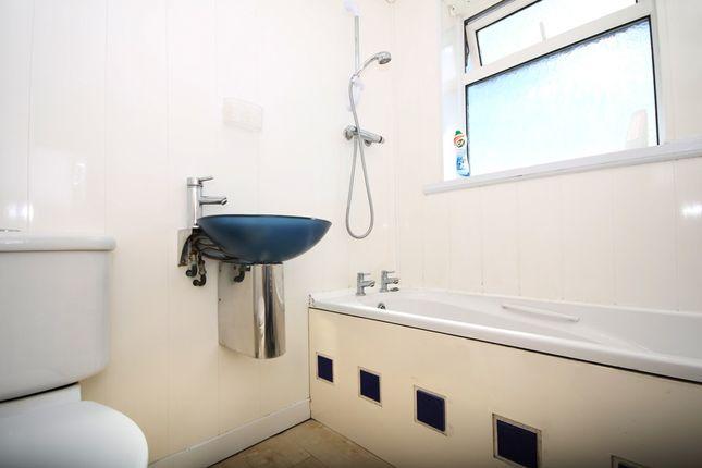 Bathroom of Cobden Road, Southport PR9