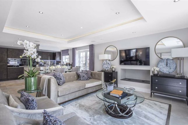 Thumbnail Flat for sale in Criterion House, Hadley Wood, Hertfordshire