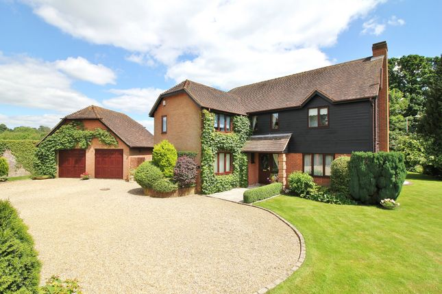 4 bed detached house for sale in Sherecroft Gardens, Botley, Southampton