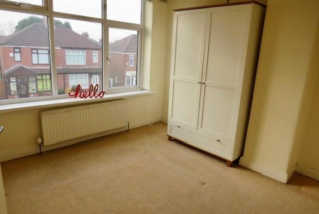 Master Bed of Berwyn Avenue, Middleton, Manchester M24
