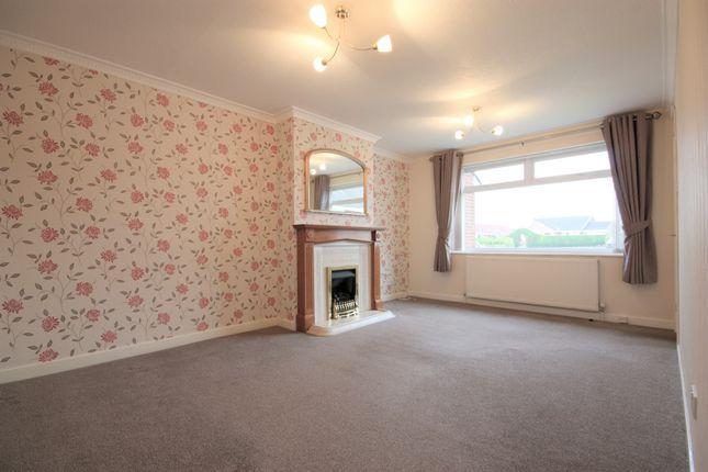 Thumbnail Semi-detached bungalow to rent in Baildon Avenue, Kippax, Leeds