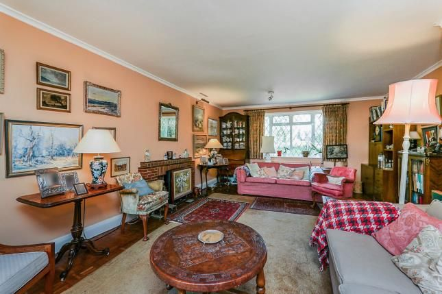 Lounge of Tannersfield, Shalford, Guildford GU4