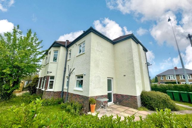 2 bed flat to rent in Manor Way, Heath, Cardiff CF14