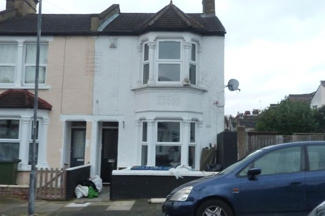Thumbnail Flat to rent in Owenite Street, Abbey Wood