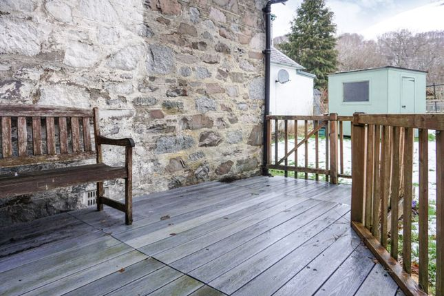 Decking of Kinloch Rannoch, Kinloch Rannoch PH16