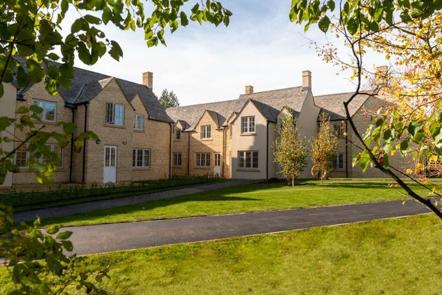 Thumbnail Flat for sale in Fosseway, Stow On The Wold, Gloucestershire
