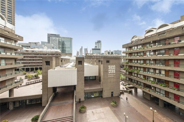 Picture No. 22 of Shakespeare Tower, Barbican, London EC2Y
