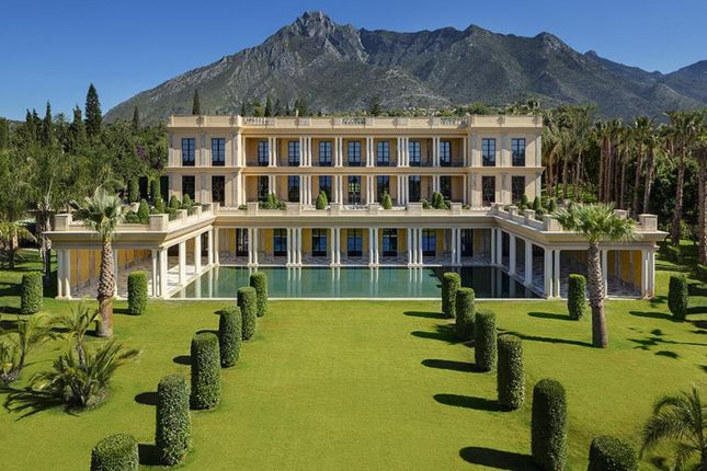 Thumbnail Villa for sale in Nagueles, Marbella, Málaga, Andalusia, Spain