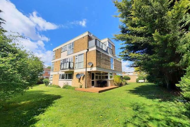 1 bed flat for sale in Peregrine Road, Sunbury-On-Thames TW16