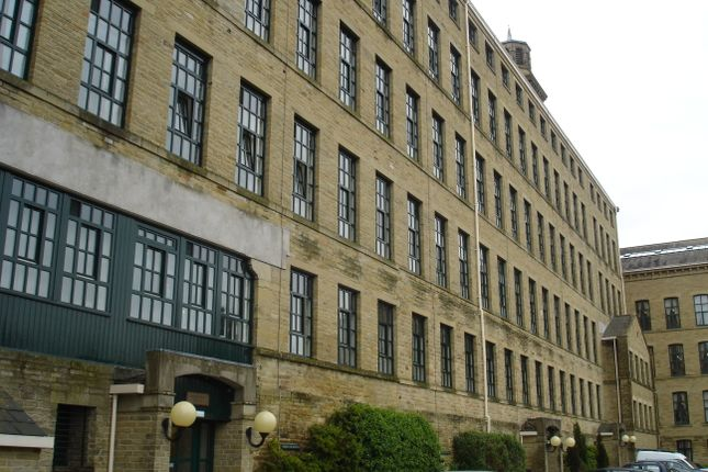 Thumbnail Flat to rent in Riverside Court, Saltaire