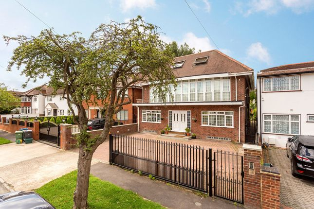 Thumbnail Detached house for sale in Derwent Avenue, London