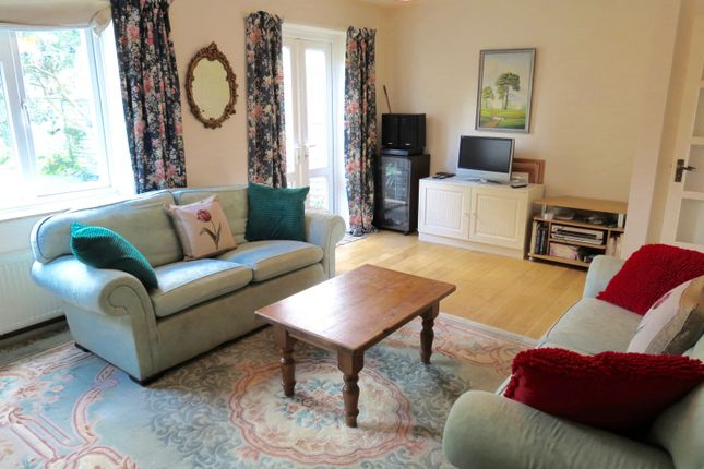 Thumbnail Property for sale in Stroud Crescent, London
