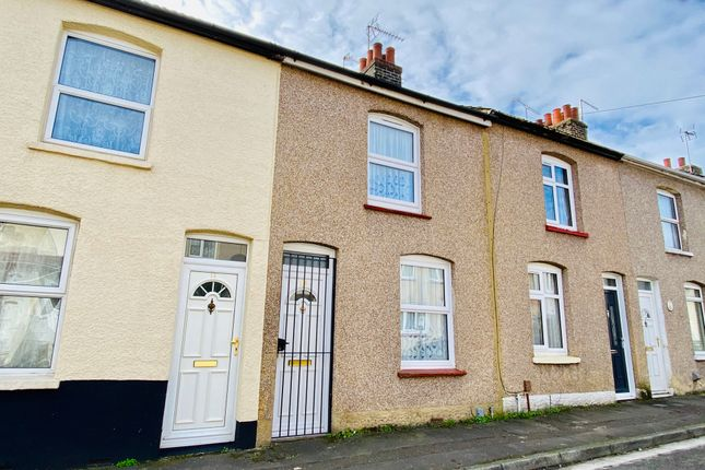 Thumbnail Terraced house to rent in Alexandra Road, Gravesend