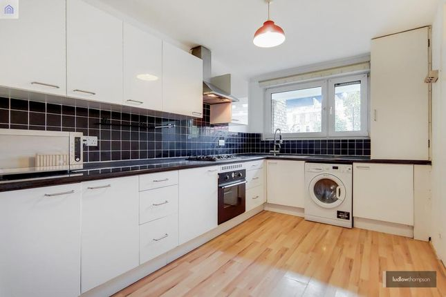 4 bed flat to rent in Mile End Road, London E3