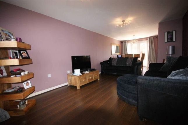 Thumbnail Shared accommodation to rent in Vesuvian Drive, Liverpool