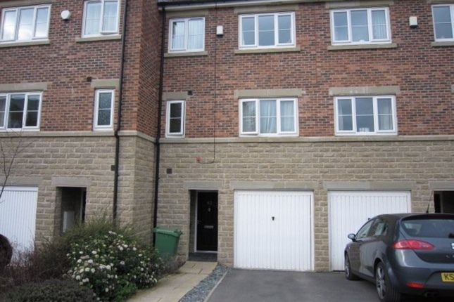 Thumbnail Town house to rent in Horsforde View, Newlay, Leeds