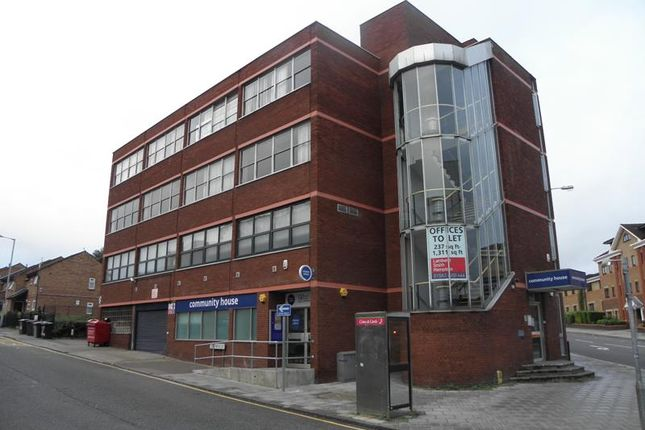 Office to let in 15 New Bedford Road, Second Floor, Luton, Bedfordshire