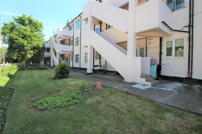 Thumbnail Flat to rent in Robins Court, Chinbrook Road, London