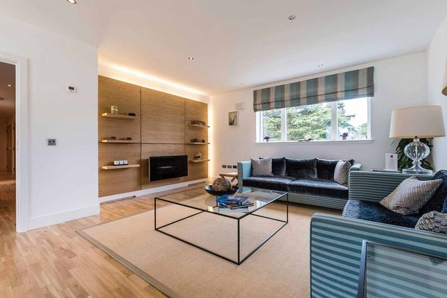 Livingroom of Brighouse Park Cross, Edinburgh EH4