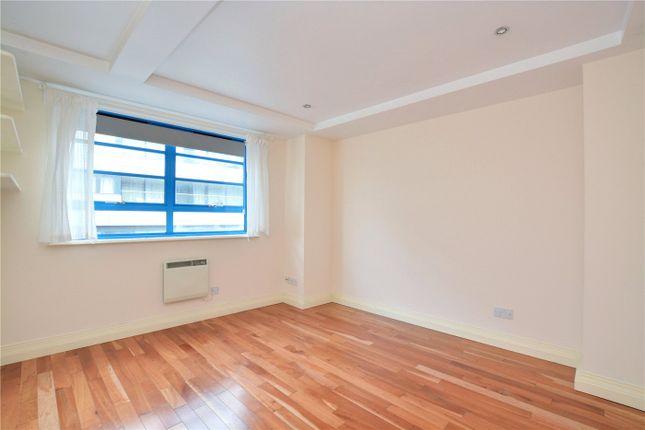 Bedroom of The Plaza, 135 Vanbrugh Hill, Greenwich, London SE10