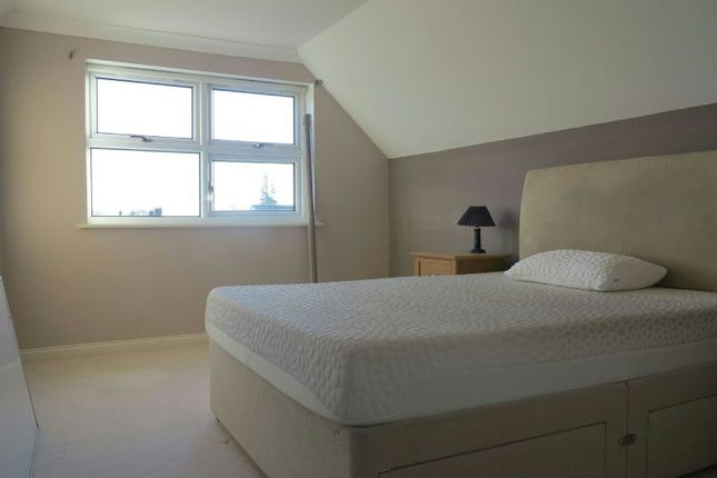 Bedroom 1 of West End Road, Mortimer RG7