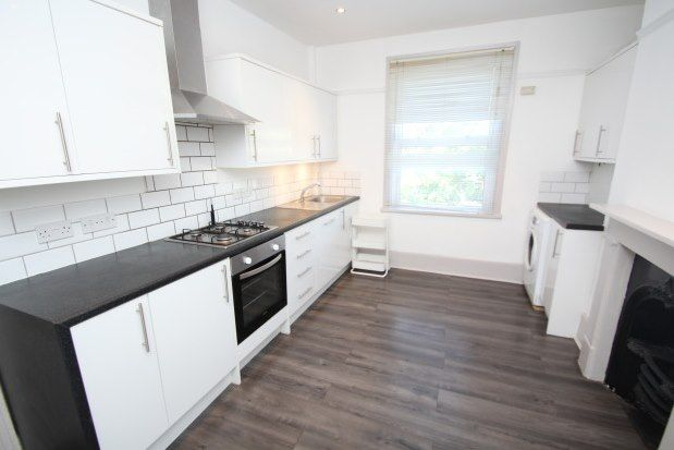 Thumbnail Flat to rent in Elgin Road, Croydon